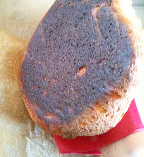 burnt bread bottom